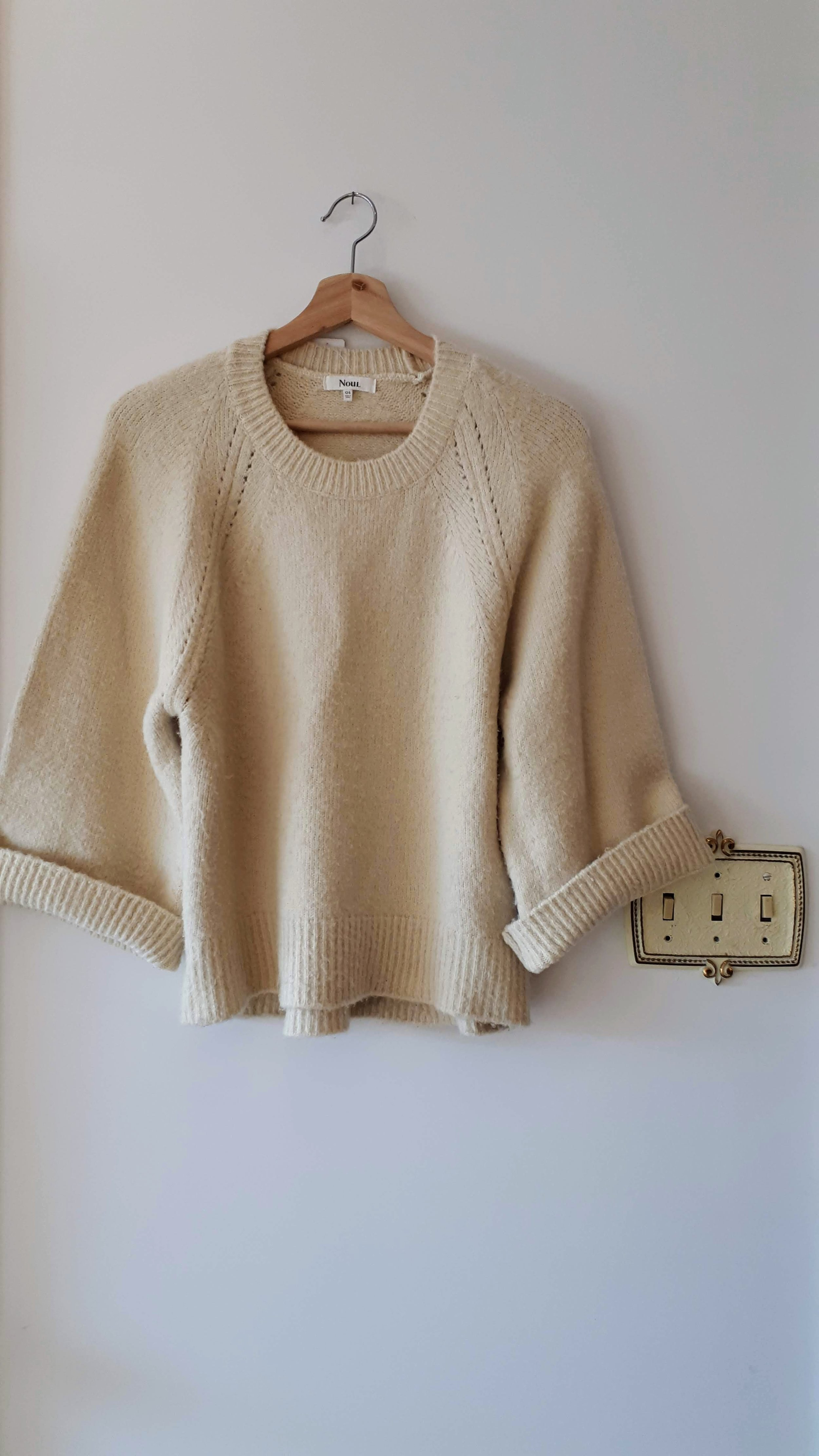 Noul sweater; Size M, $34