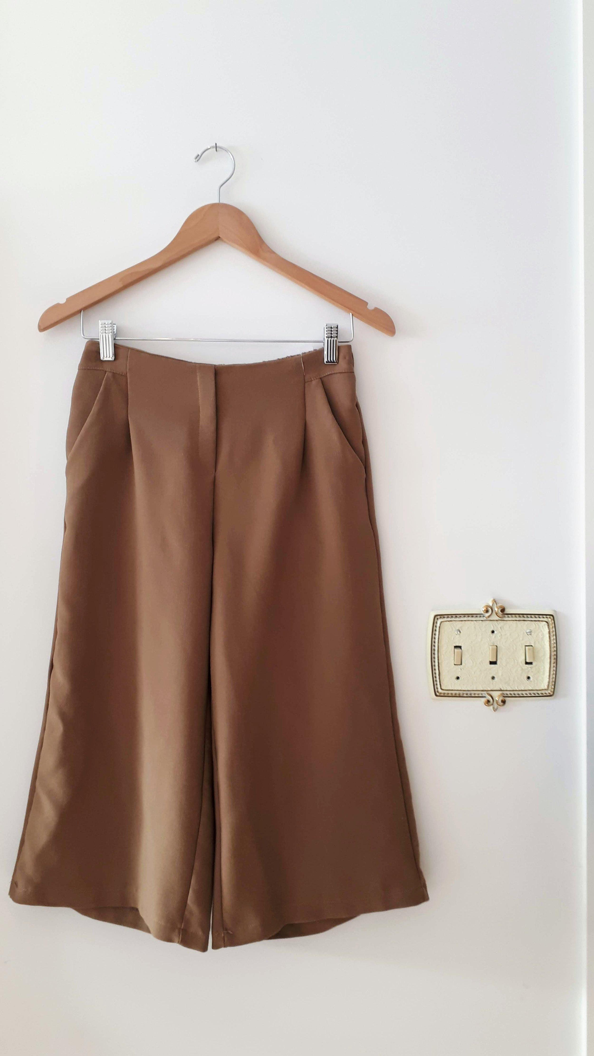 Noul pants; Size M, $38