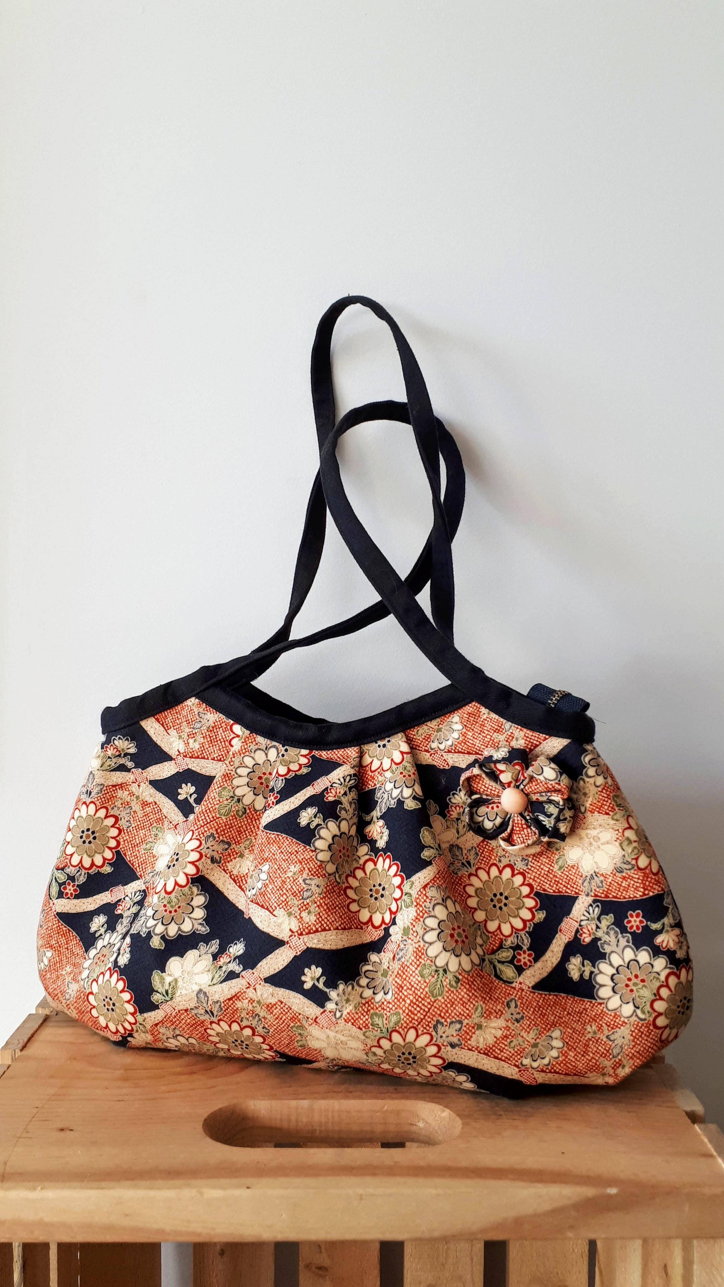 Yoga Bee Vintage purse, $24