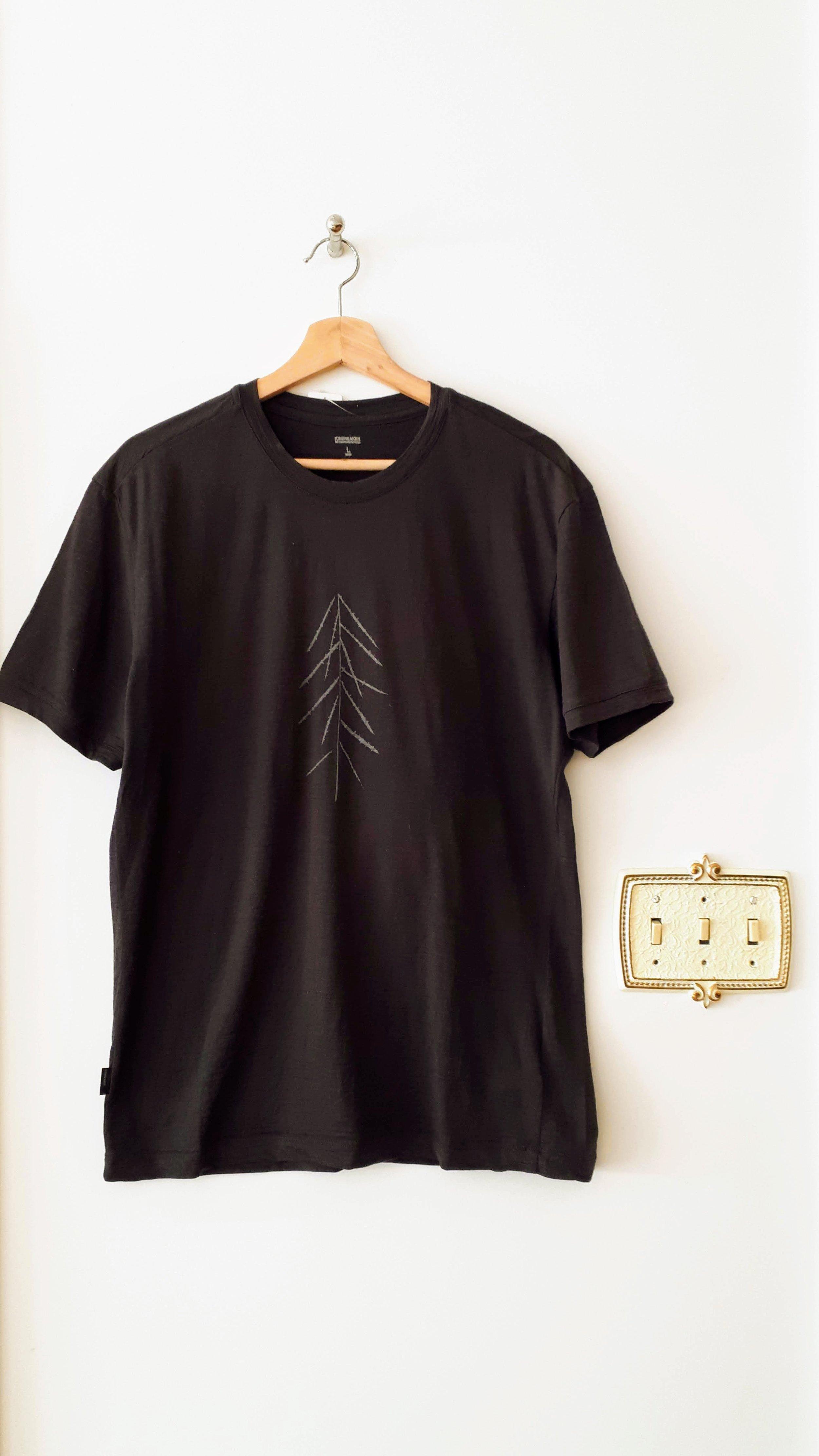 Mens Icebreaker shirt; Size L, $30