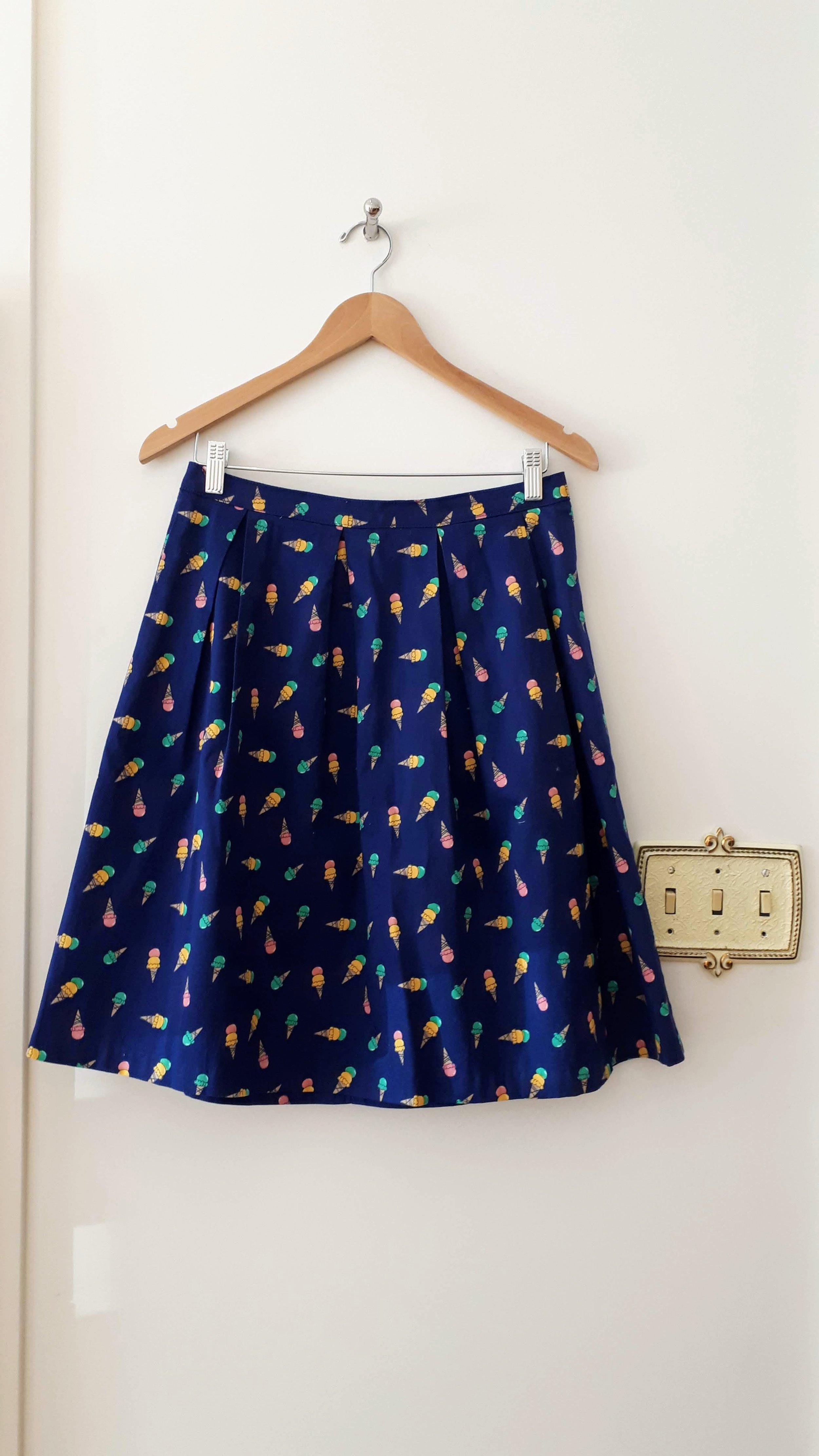 Ixia skirt; Size M, $26