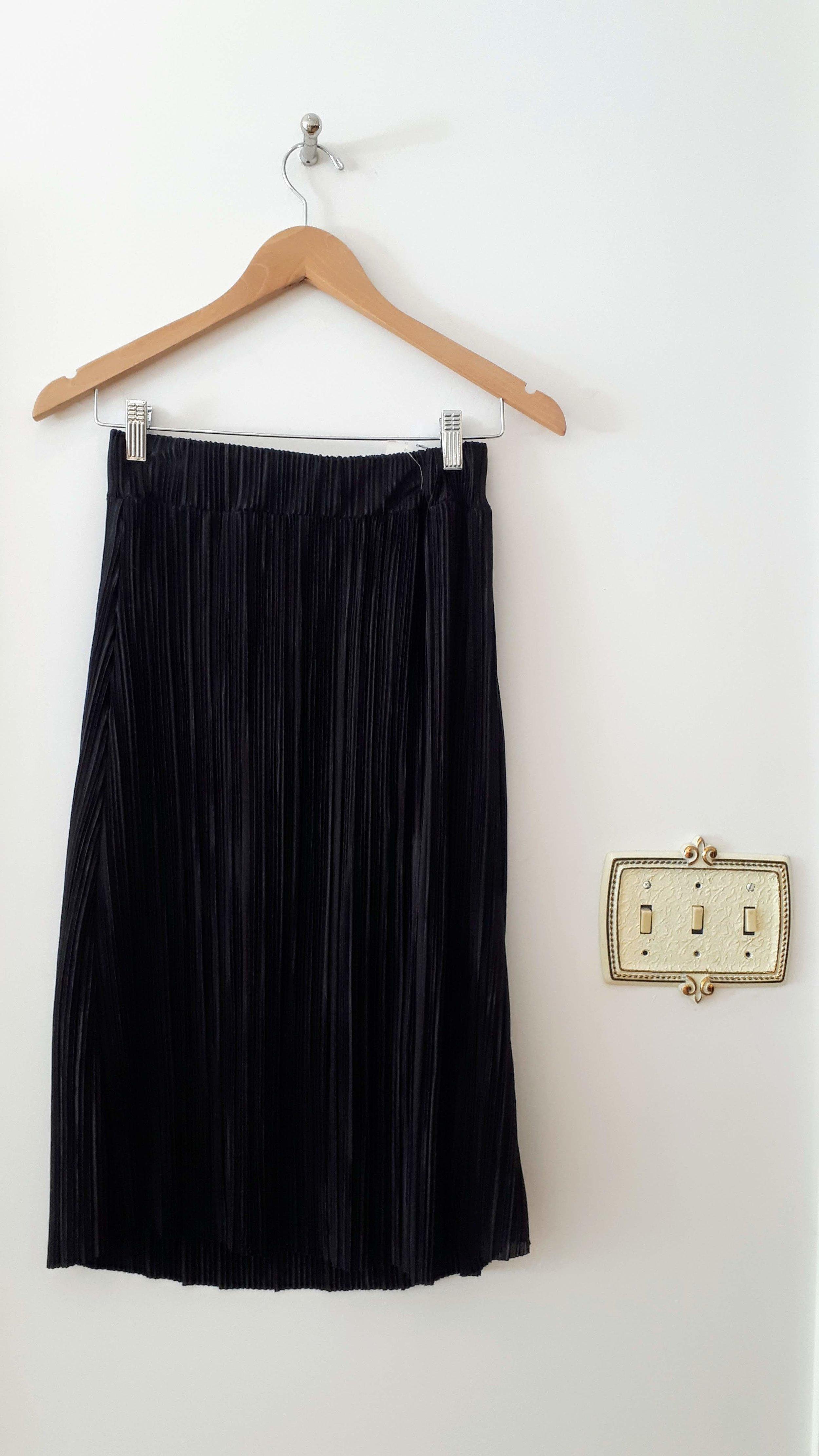 Workhall skirt; Size S, $36