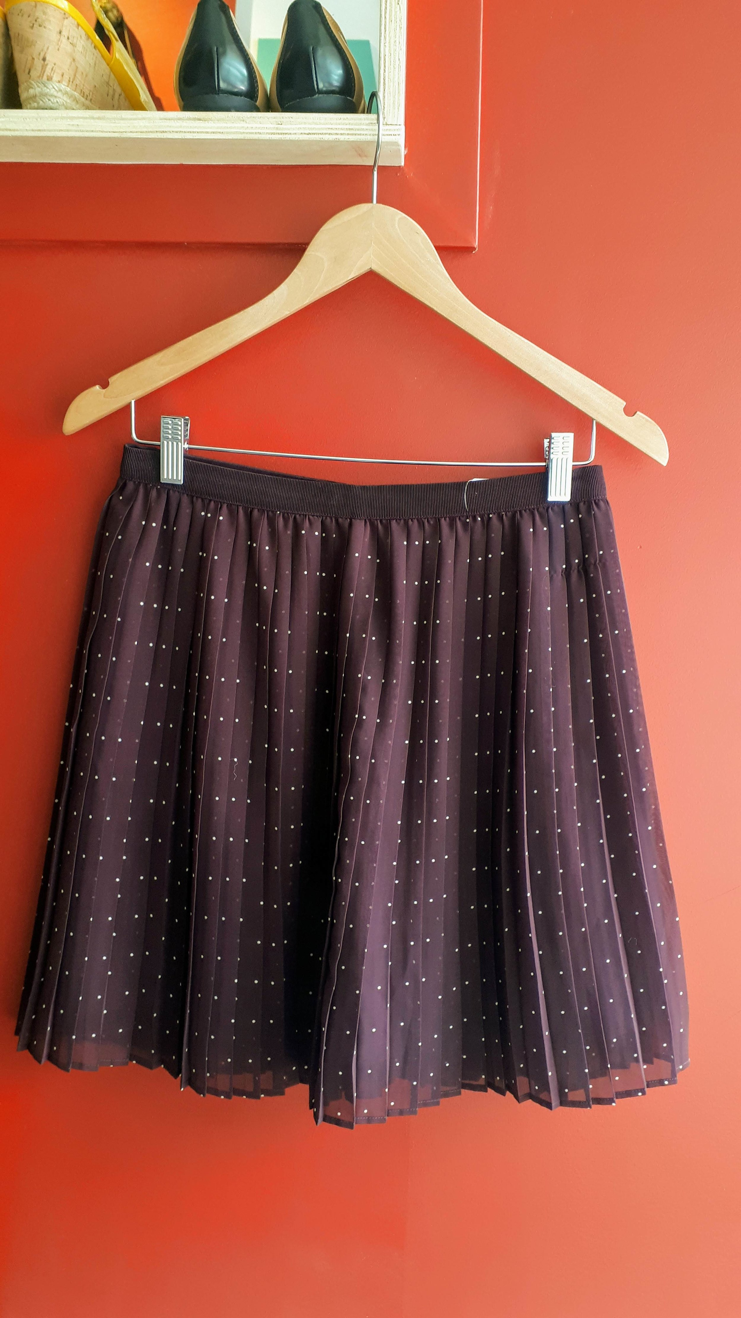 Uniqlo skirt; Size 4, $18
