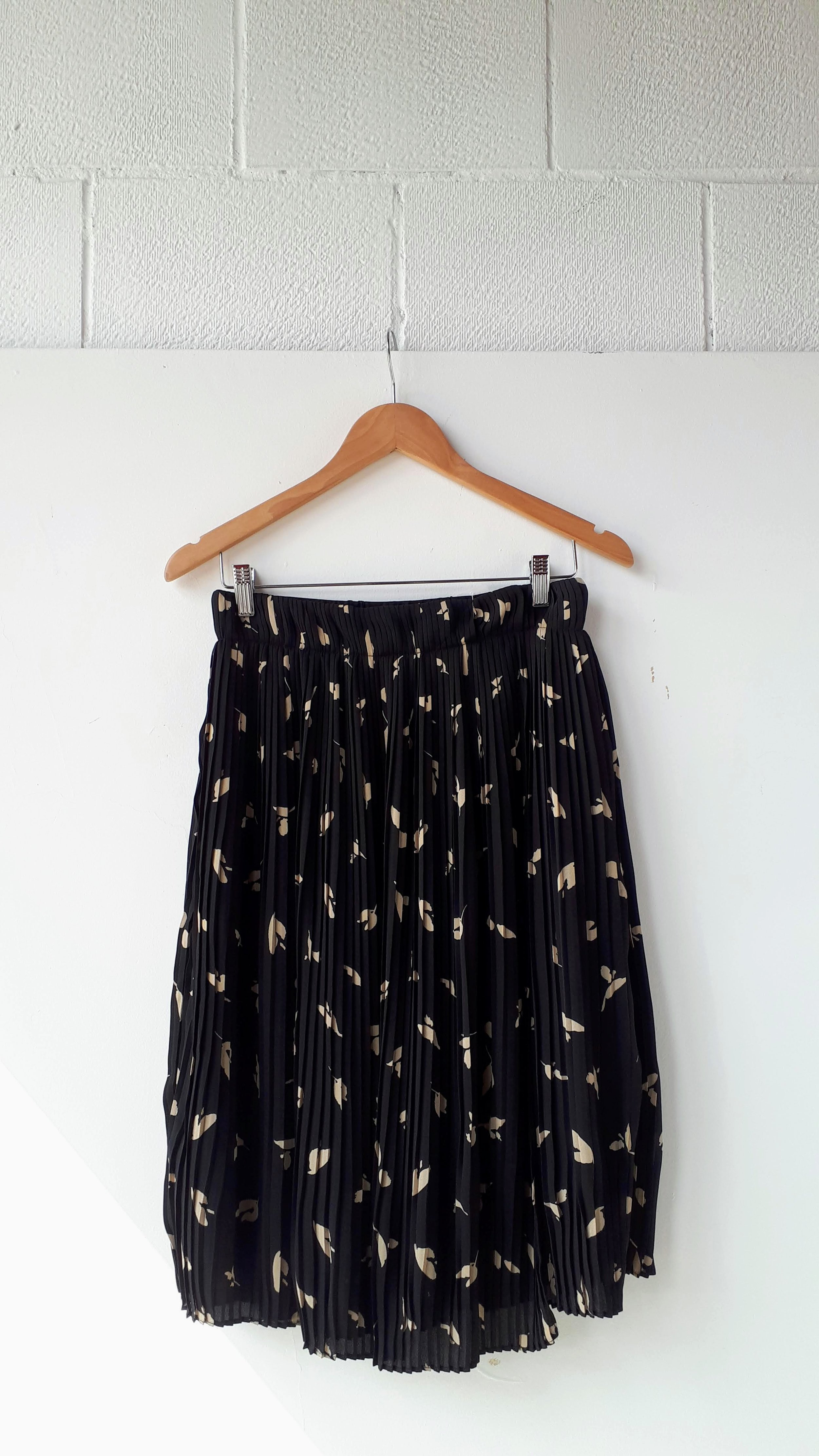 Oak + Fort skirt (NWT); Size M, $42