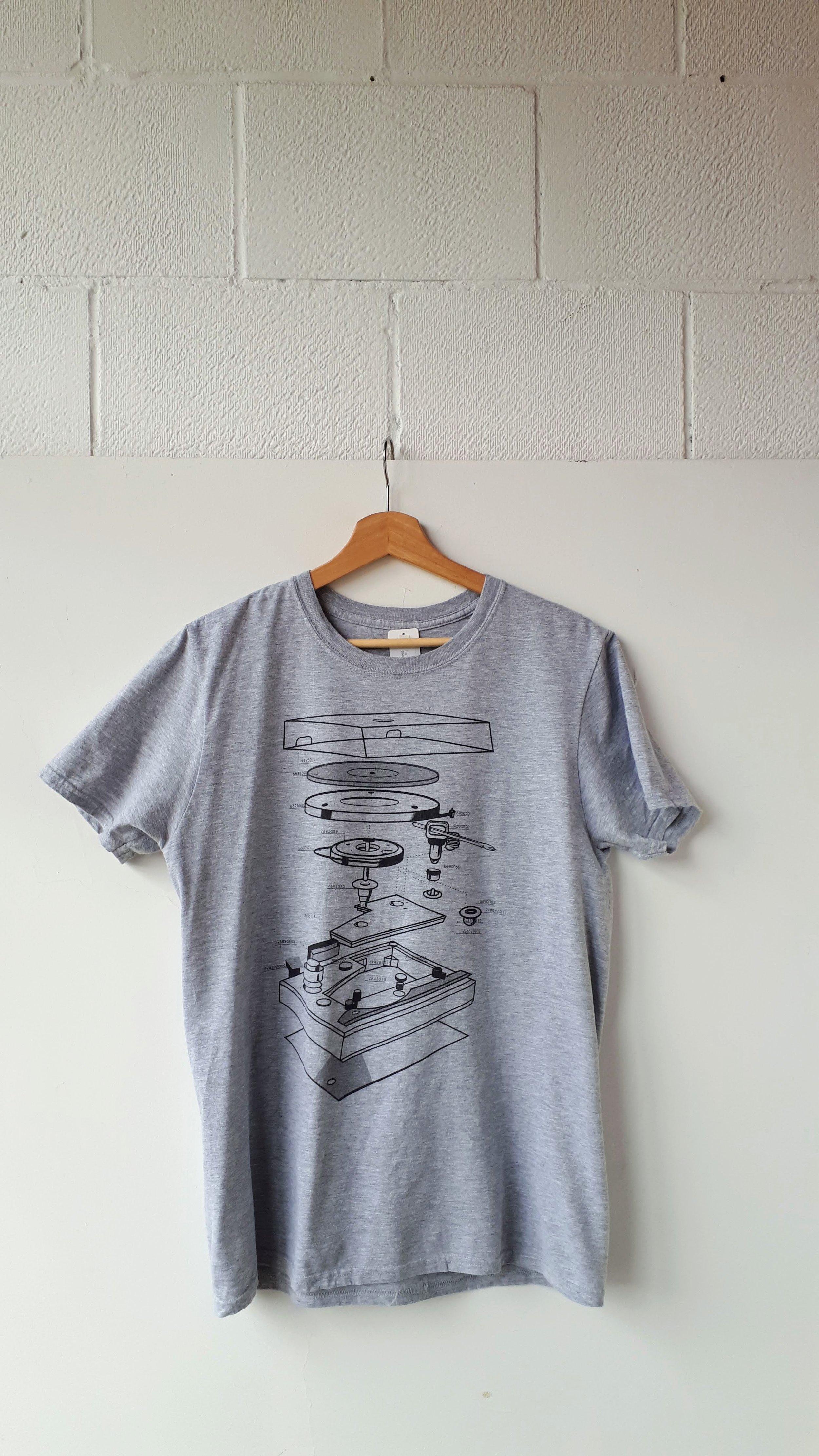 Turntable shirt; Men's size M, $20
