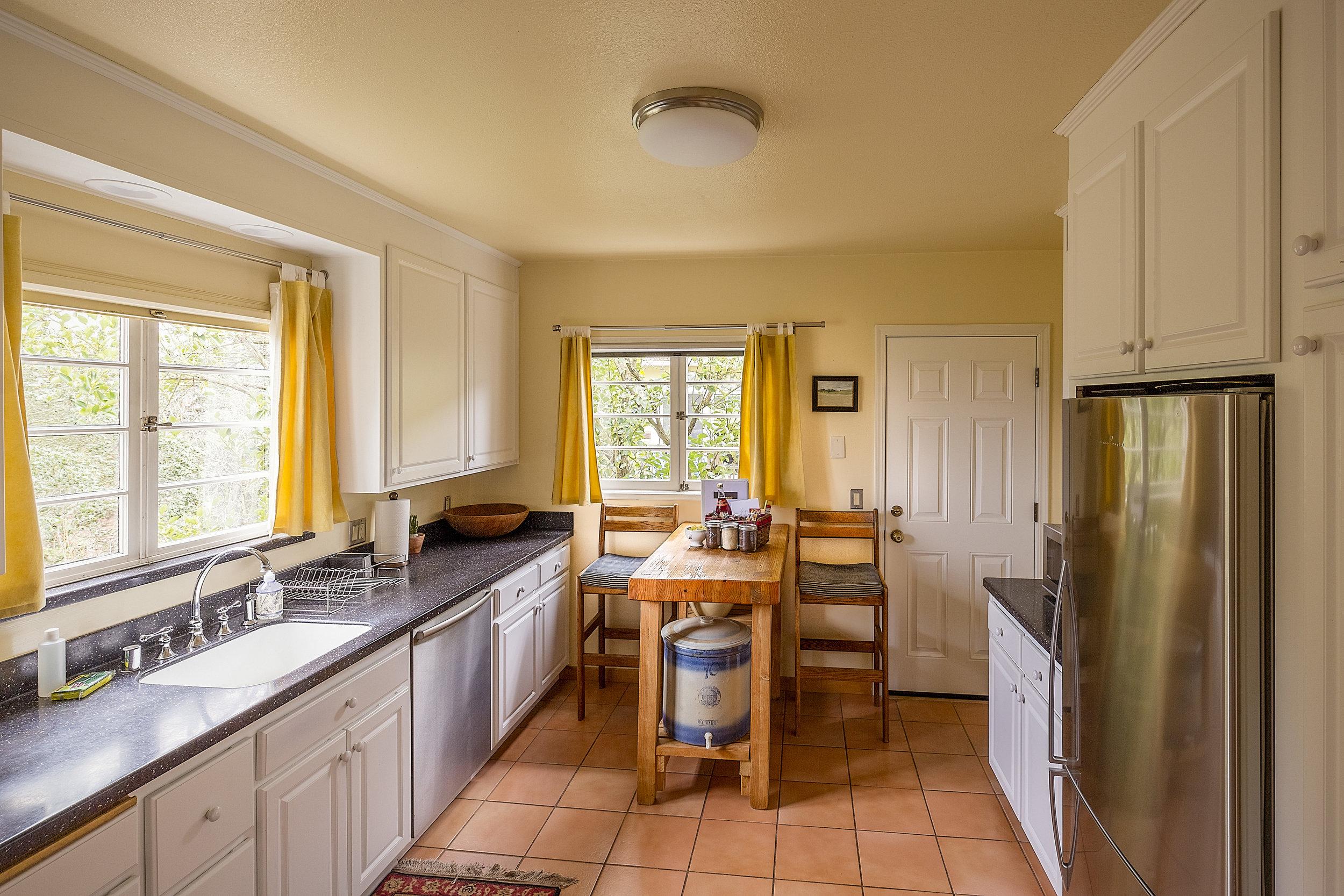 CR kitchen wide from lr.jpg