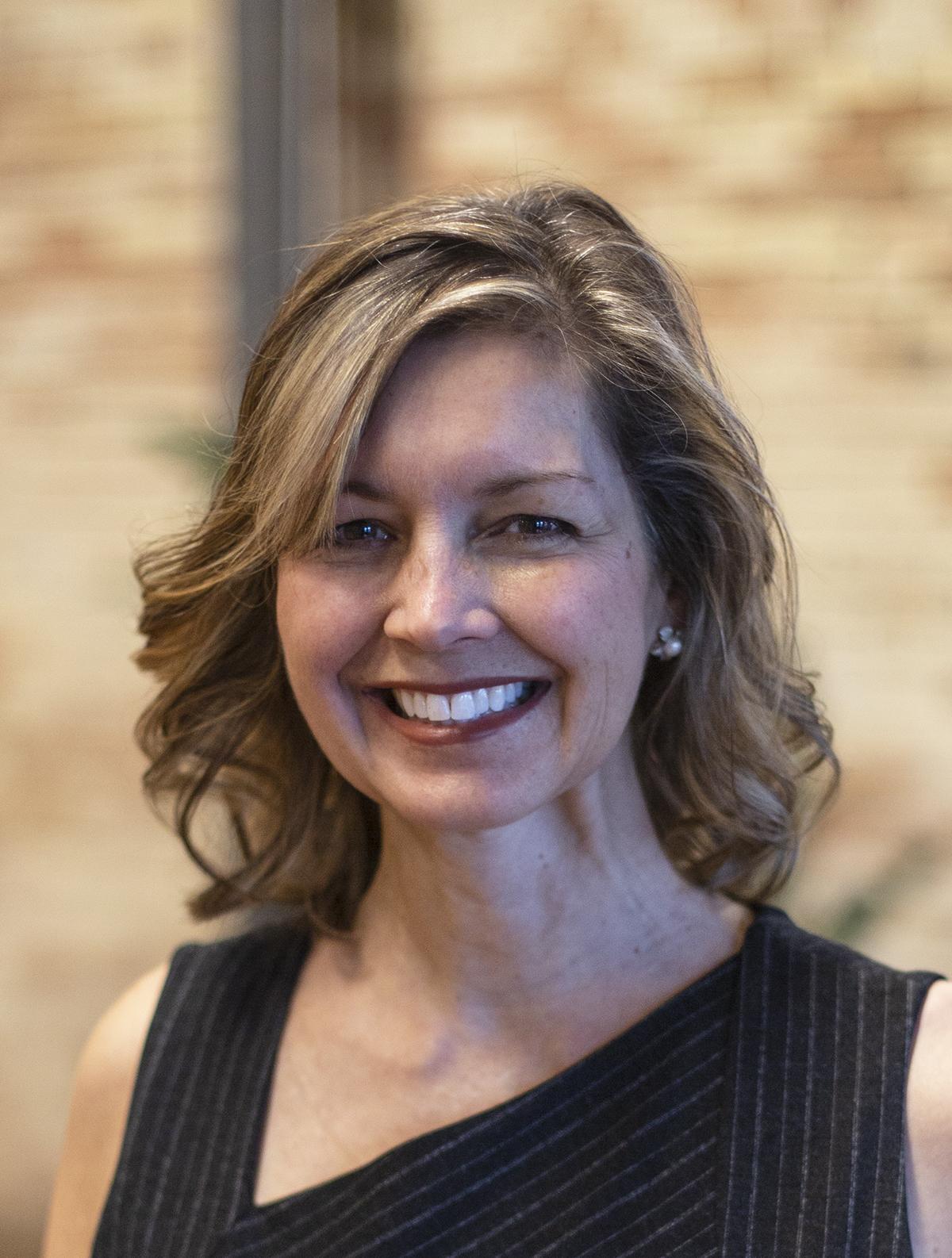 Kristin Ruthel Headshot 1.jpg