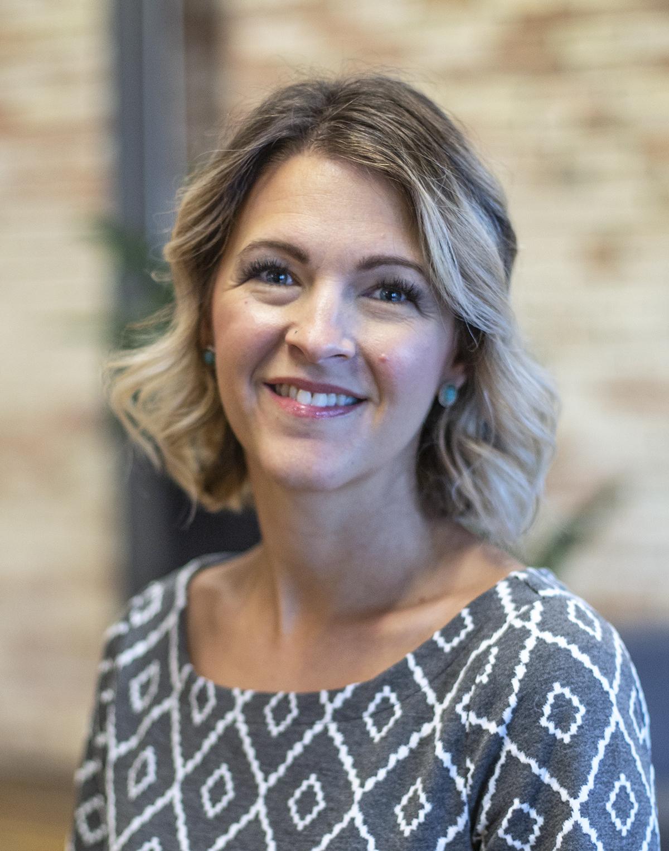 Nicole Rinks Headshot.jpg