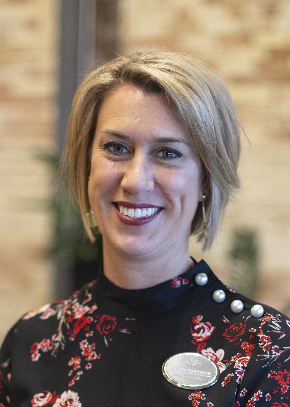 Sue Pastor Headshot.jpg