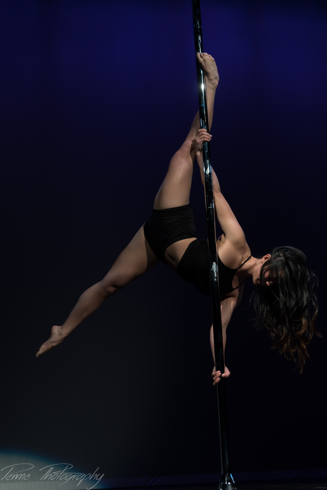 Axis Performing Arts Cirque Houston Pole Art