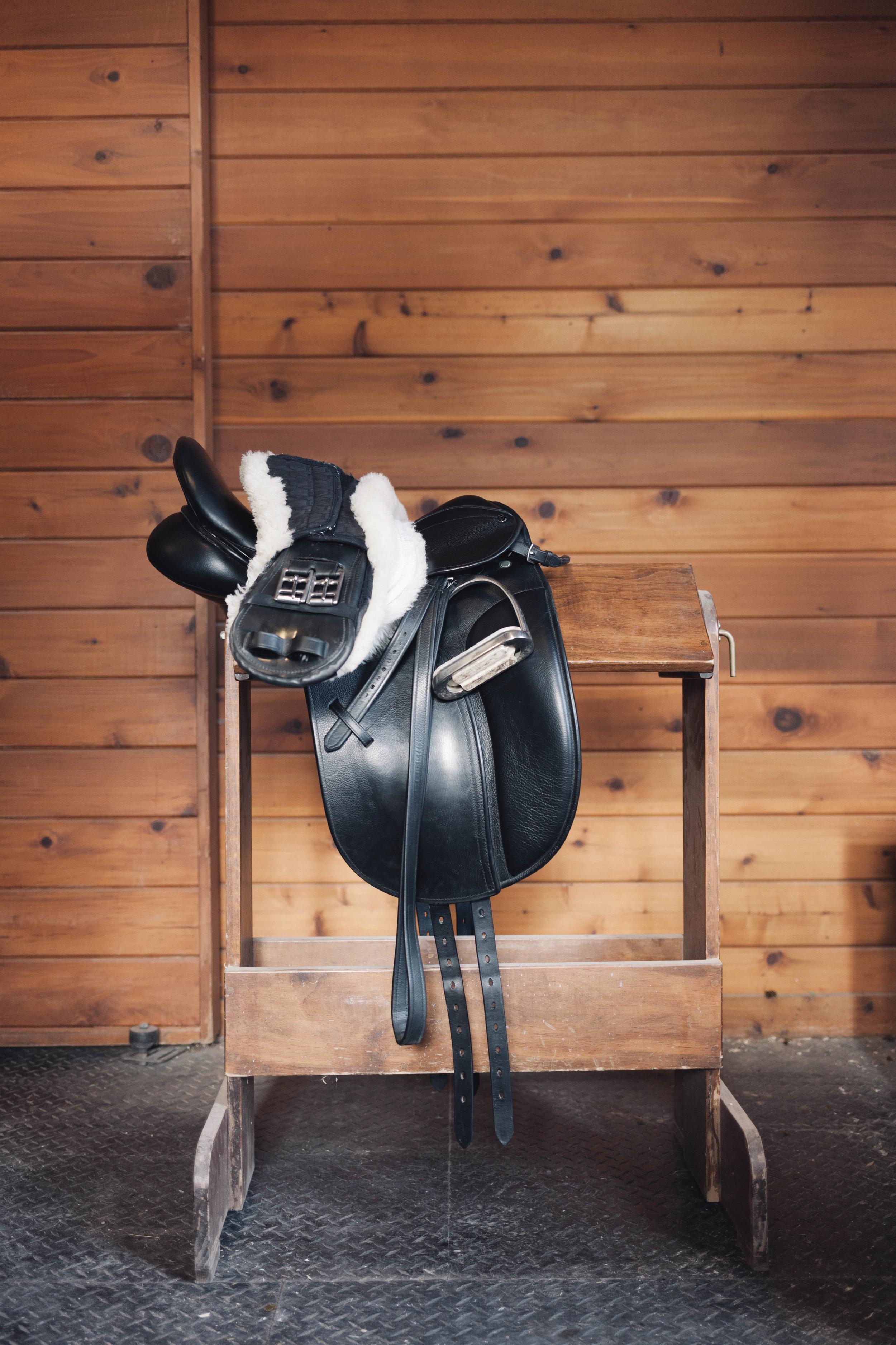Colorado-Lifestyle-Photography-Jimena-Peck-Mind-Body-Horse-Yoga-Saddle