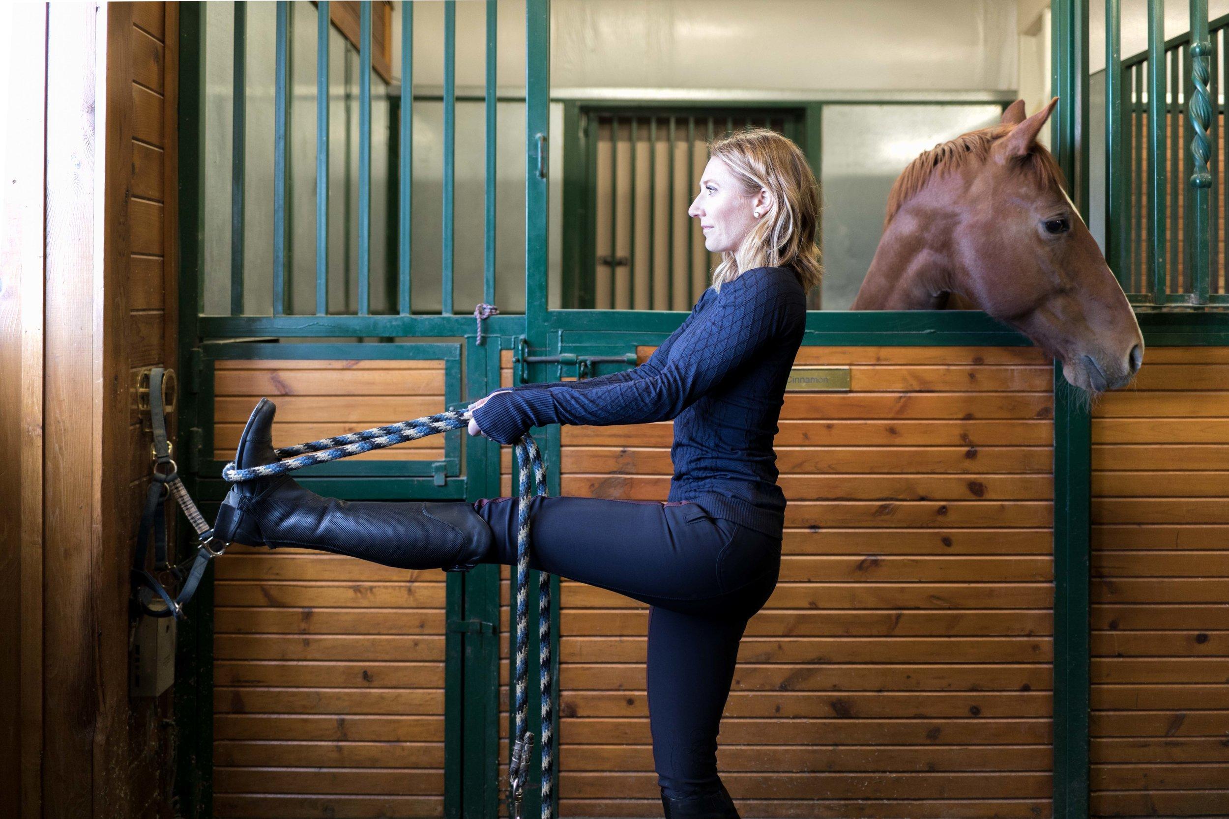 Colorado-Editorial-Photography-Jimena-Peck-Mind-Body-Horse-Yoga--2.jpg