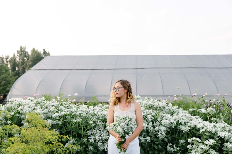 Jimena-Peck-Denver-Lifestyle-Editorial-Photographer-Native-Hill-Farm-Flowers-Field