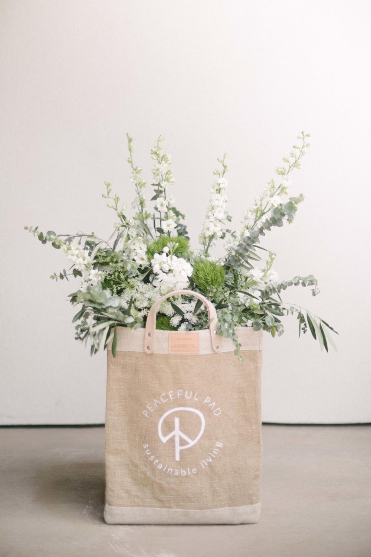 Jimena-Peck-Denver-Vail-Interior-Editorial-Photographer-Peaceful-Pad-Flowers-Bouquet