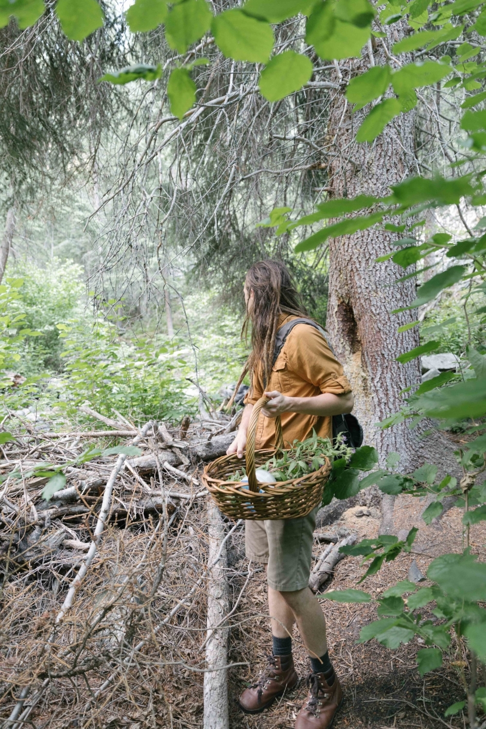 Jimena-Peck-Denver-Lifestyle-Editorial-Photographer-Daniel-Gray's-Sourdough-Bread-Forest-Basket