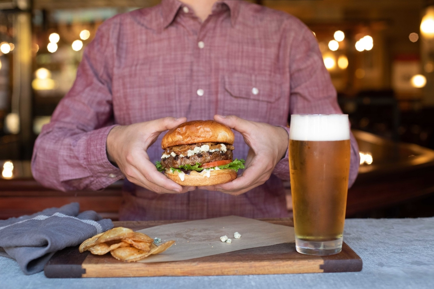 Jimena-Peck-Denver-Food-Photographer-Gordon-Biersch-Brewery-Big-Burger