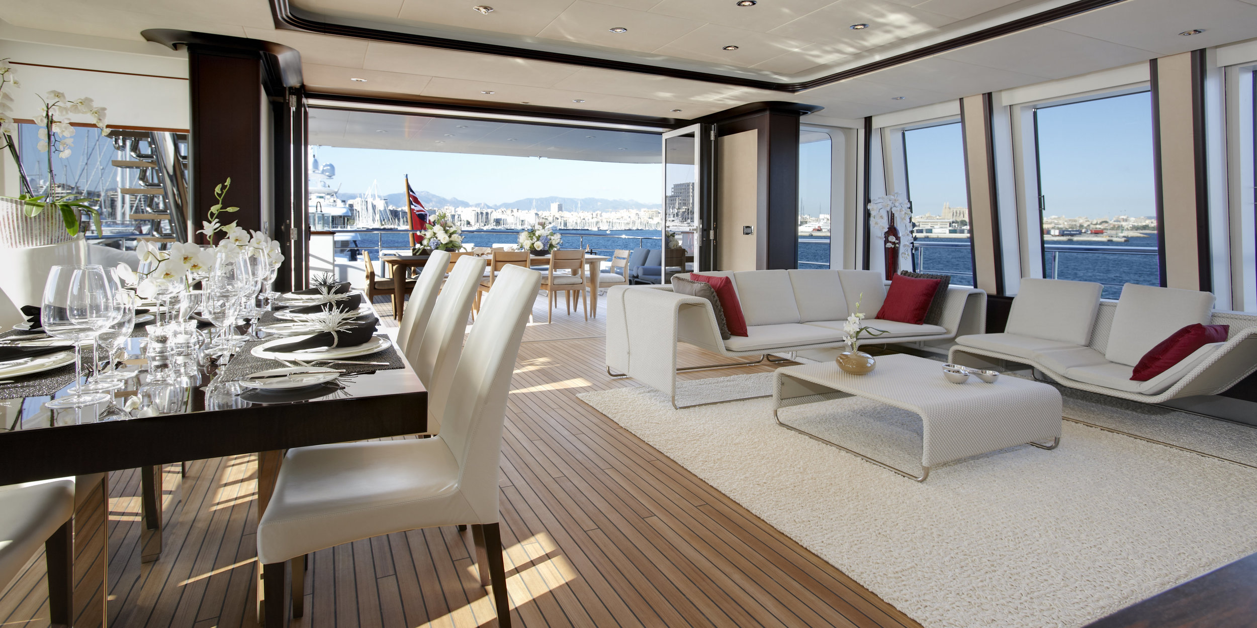 The-Helix-Superyacht-Bridge-Deck-Lounge.jpg..jpg