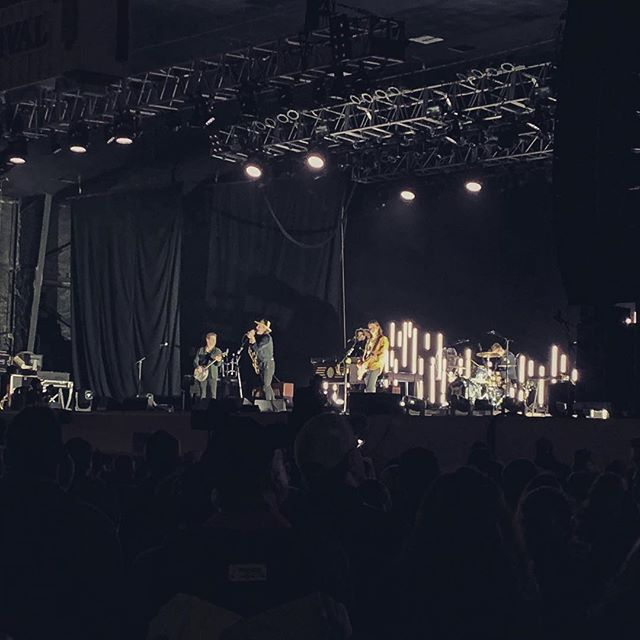 Finally got to see @needtobreathe earlier this week. I always missed them when I was touring. Even at festivals we would be at together I always some how played a day later or a day before. Definitely inspiring to watch them play. #inspiring #needtobreathe