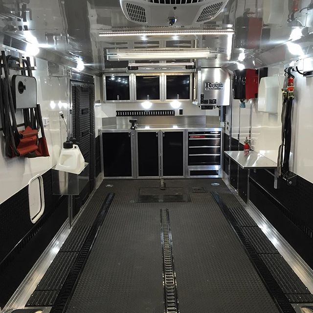 Go big or go home! That's the motto of @bryan_collingwood702 's new utv race trailer. All dialed in and ready for worlds! Good luck! #Charmac #charmactrailers #polarisrzr #utv #utvunderground #rzr @californiacustom01