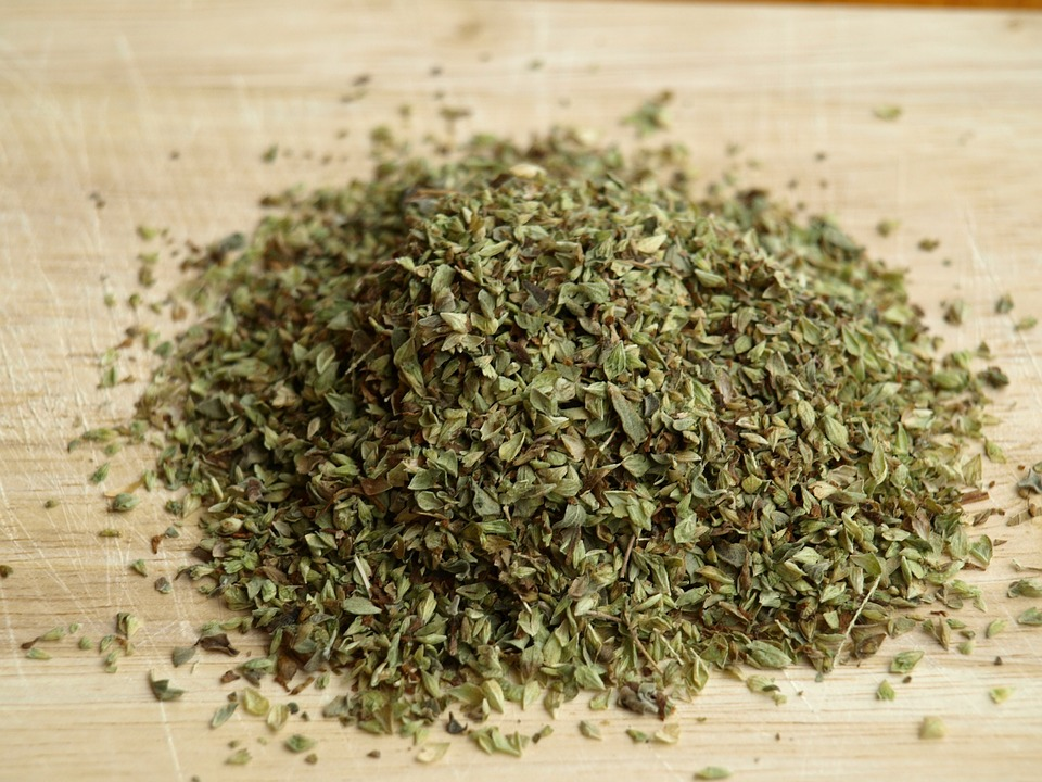 Dried oregano ready for your culinary delights!