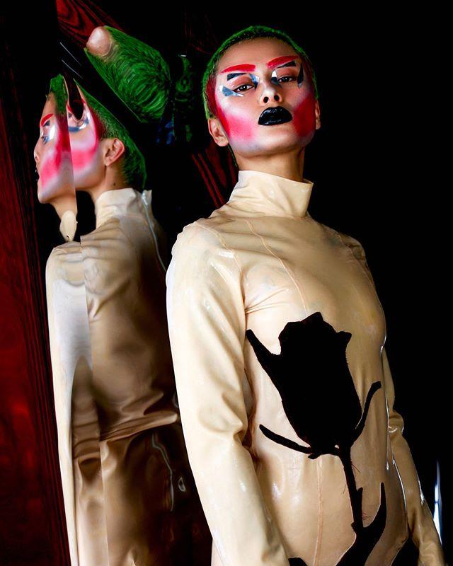 #model @mariasirenss 4 #designer @alabamablonde #makeup by me and @mariasirenss 🔷✨