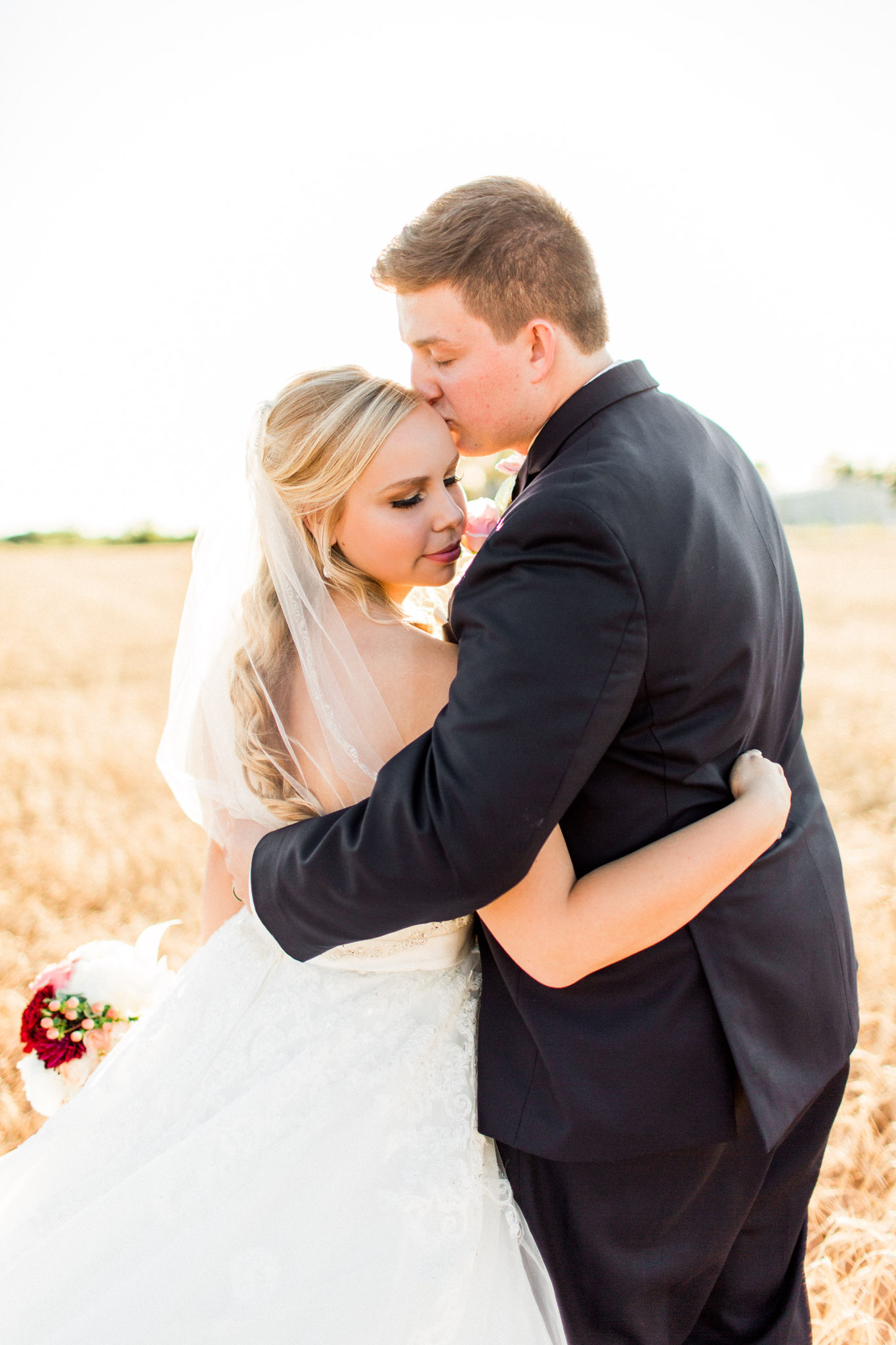 Wichita Falls, TX French Country Meadow Wedding Photos - Natural Light Photography