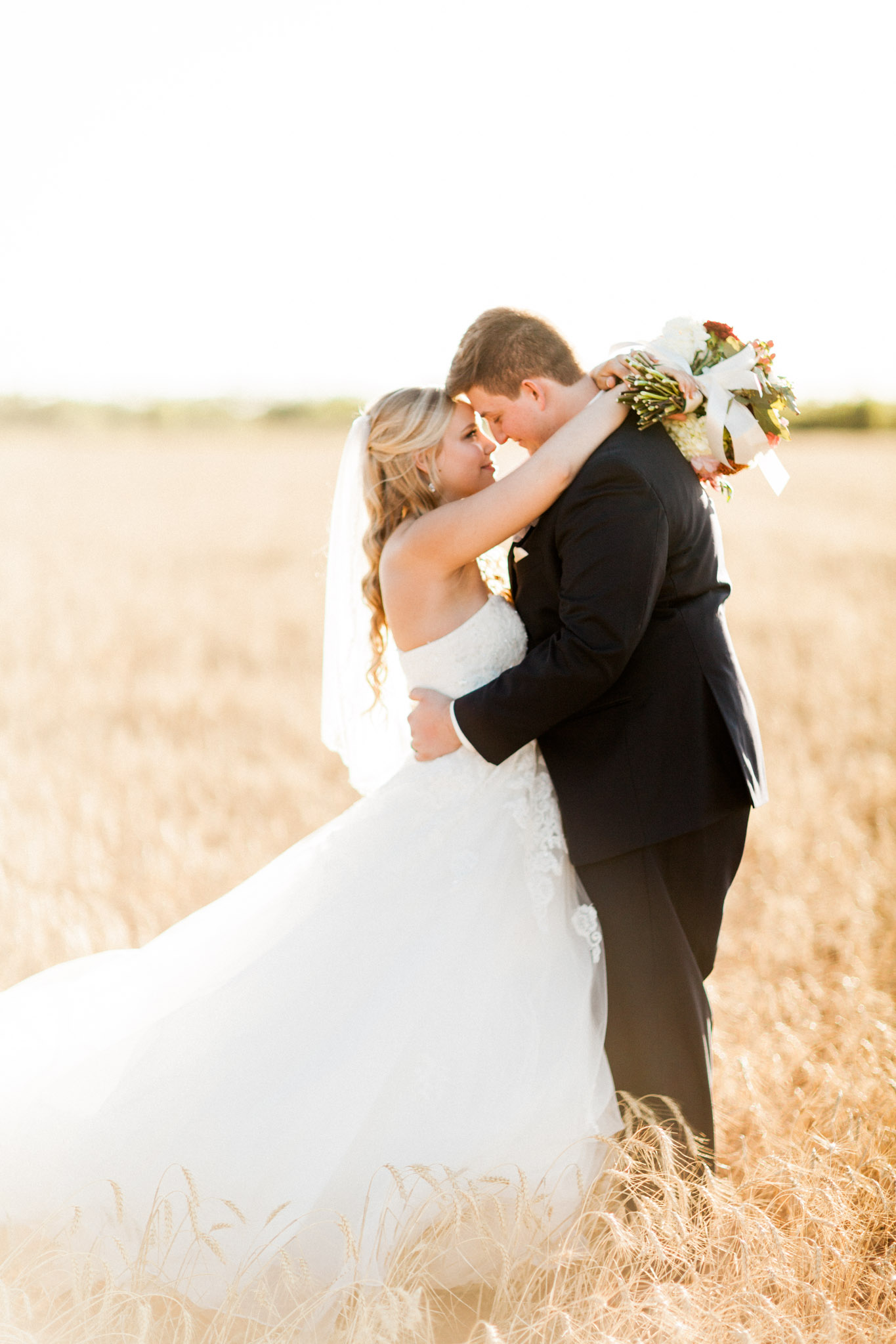 Wichita Falls, TX French Country Meadow Wedding Photos - Light and Airy Photography