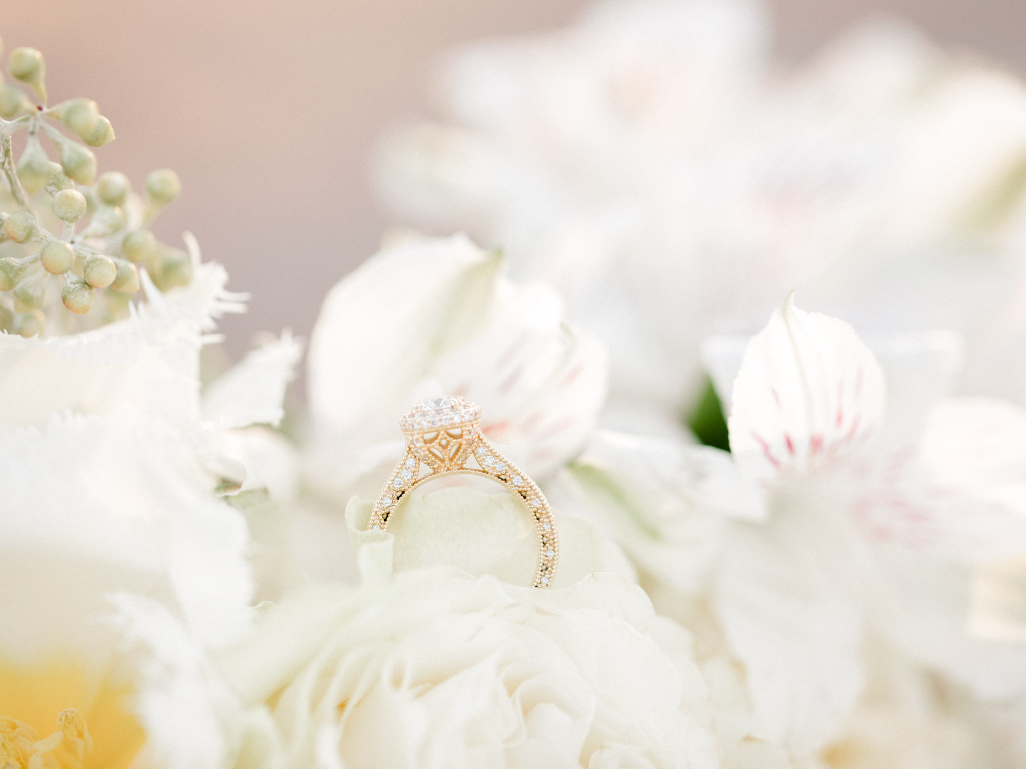 North Texas Bridal Wedding Photos - Light and Airy Photography
