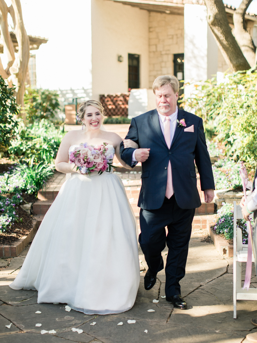 Dallas Arboretum & Botanical Garden Wedding Photos - Natural Light Photography