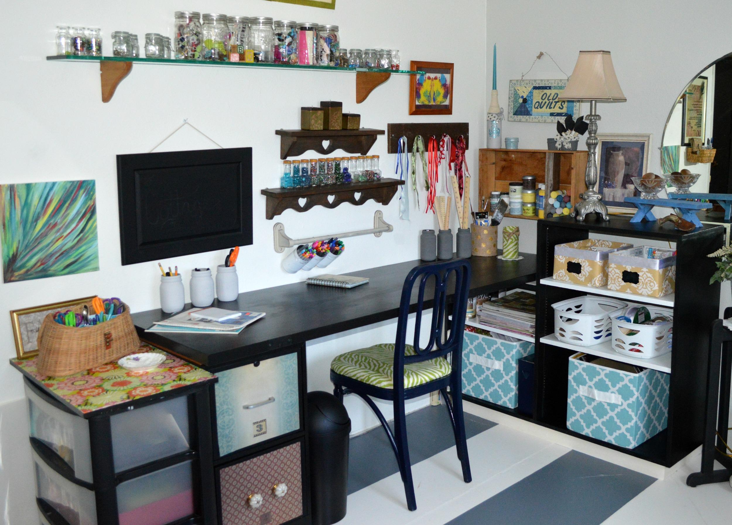 DIY-craft-room-desk