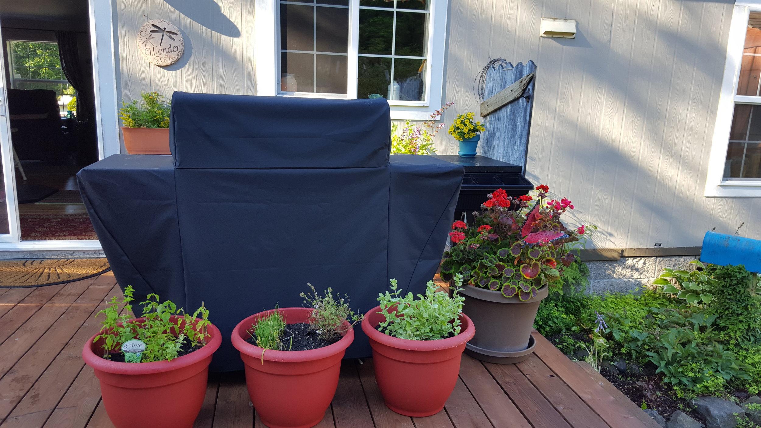 Create an outdoor kitchen nook