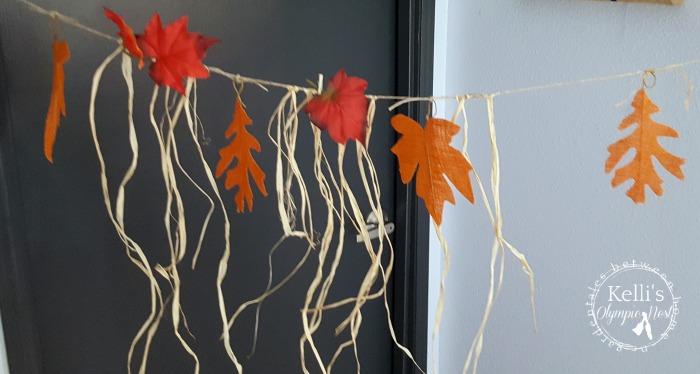 how to make an easy fall garland.jpg