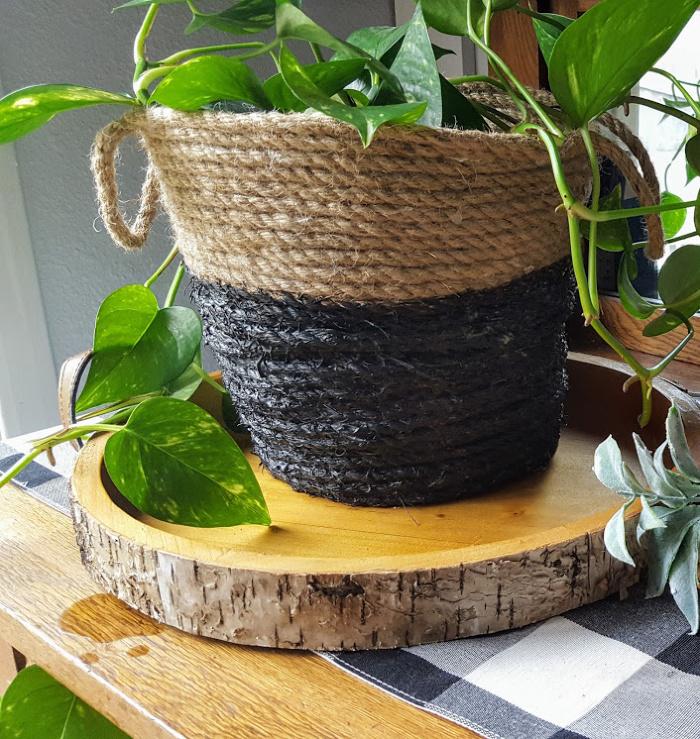 Anthropolgy inspired coil rope DIY basket.jpg
