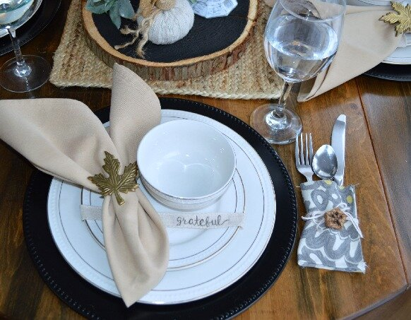 Simple and affordable diy Thanksgiving tablescape decor to fit any home style.jpg