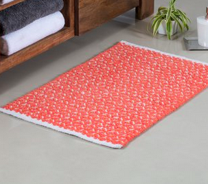 BINGO! A flat woven mat is where it's at! Cotton washes and dries well too.