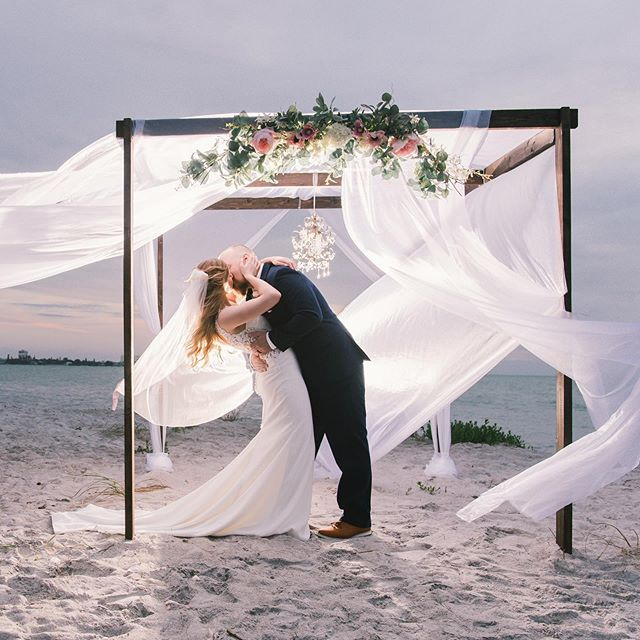 ☆ beach weddings are magical ☆ . What do you think ??? Yes or no . . . . . . . Photo: @mirsalgadophotography . #tidetheknotbeachweddings | #mirsalgadophotography | #tampabride | #tampaphotographer | #tampaweddingphotographer | #stpeteweddingphotographer | #floridabeachweddings