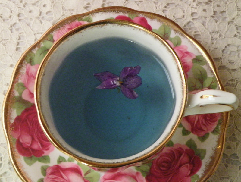 Uniquely turquoise in colour, violet flower infusion creates visual delight.