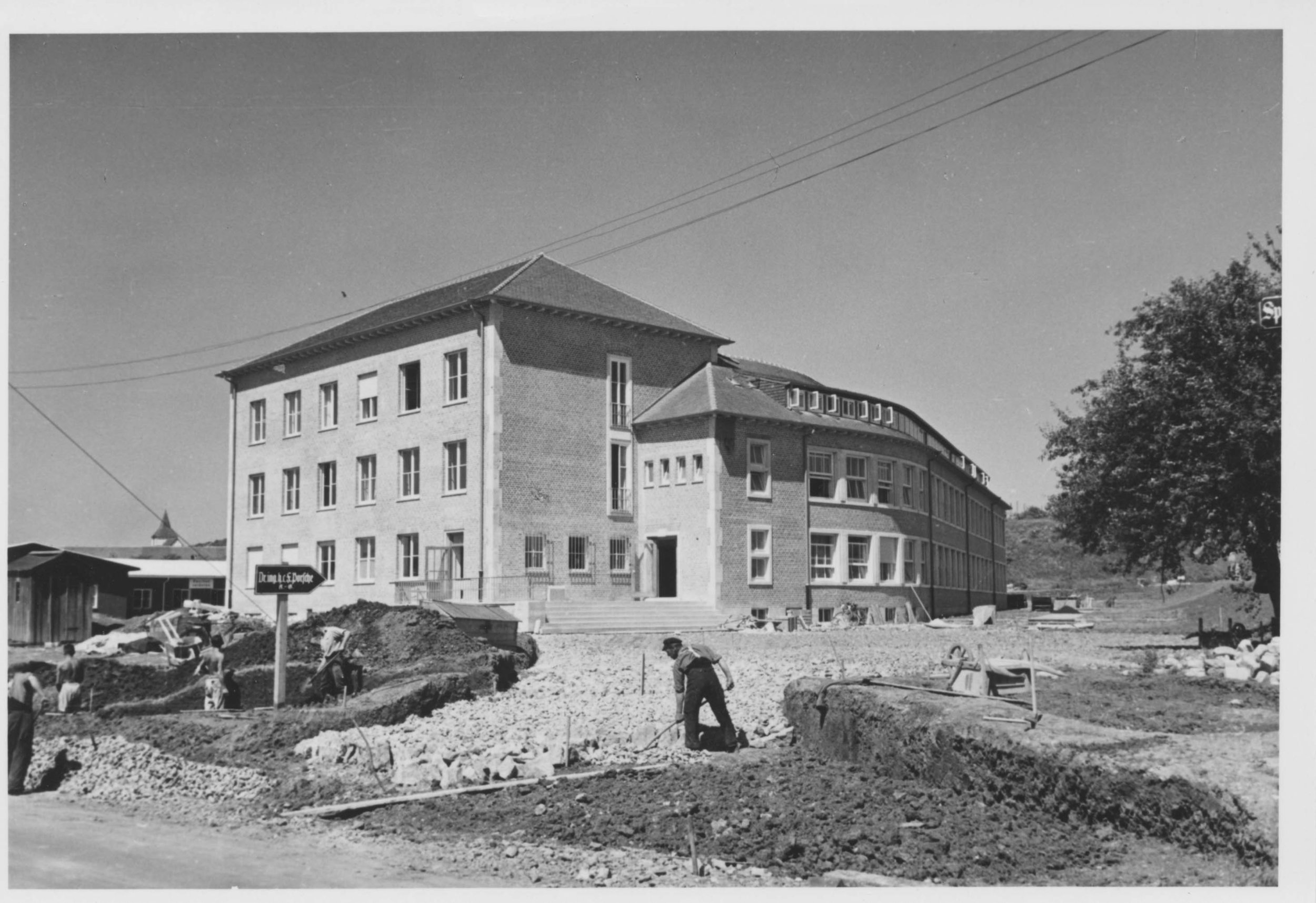 1937 (late) Werk I in construction HDI 2948.jpg