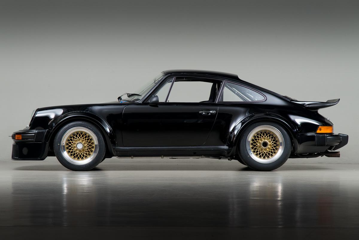 76 Porsche 934 03.jpg