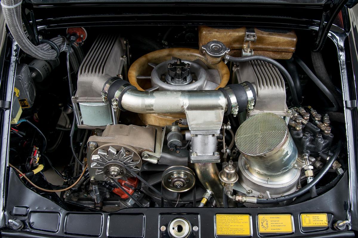 76 Porsche 934 25.jpg
