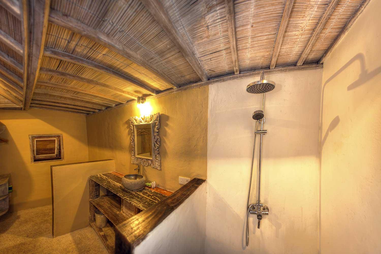 shower villa 2 Bedrooms gili - Les VIllas Ottalia