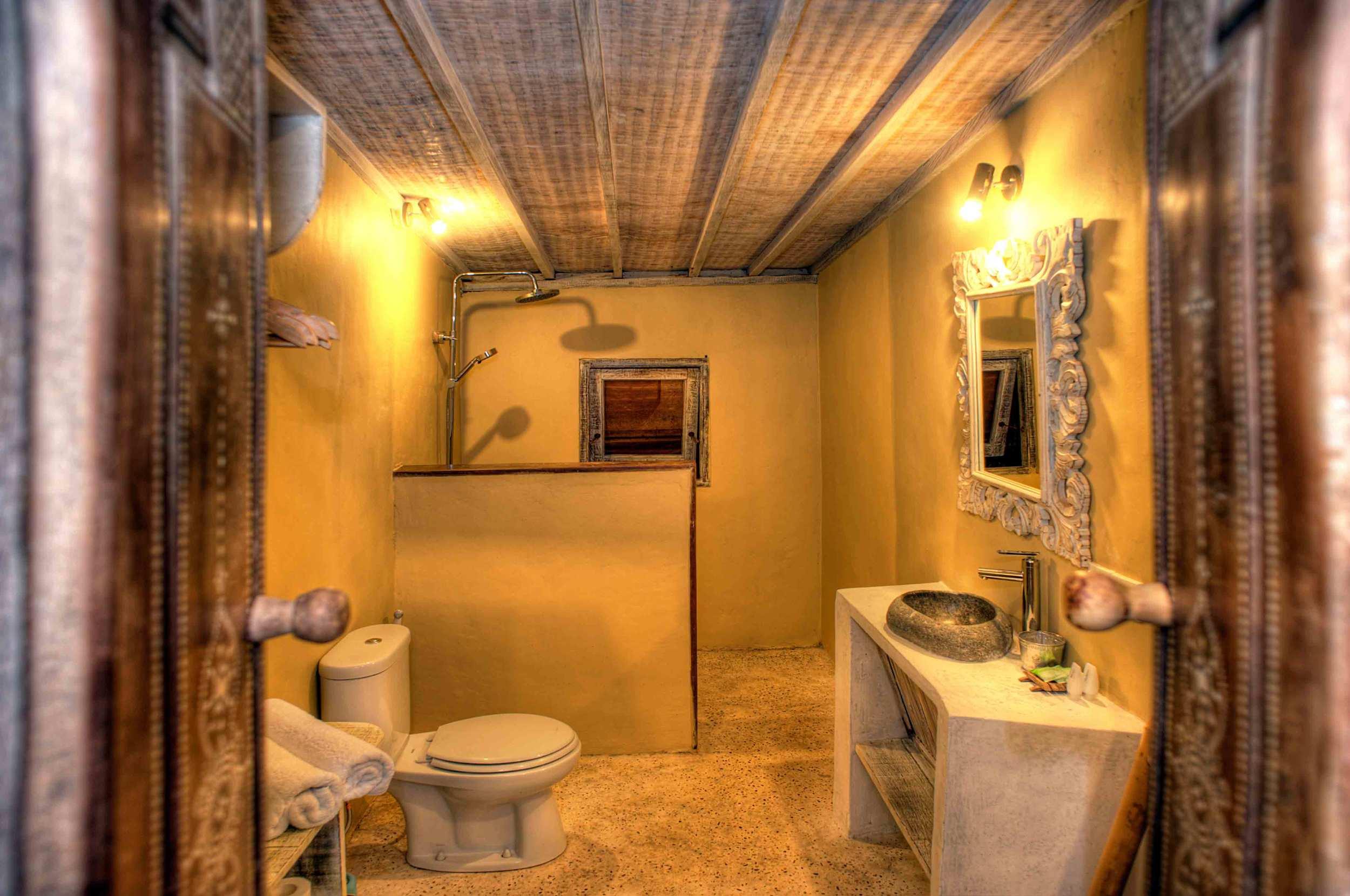 Bathroom villa ottalia gili