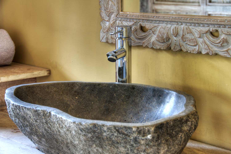 Vasque Bathroom Gili Meno