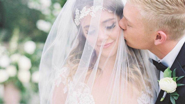 phxrst-omni-scottsdale-resort-montelucia-real-wedding-alyse-hall.jpg