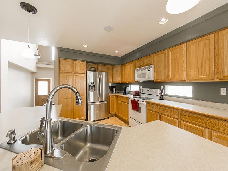 Kitchen_800x600_2274708.jpg