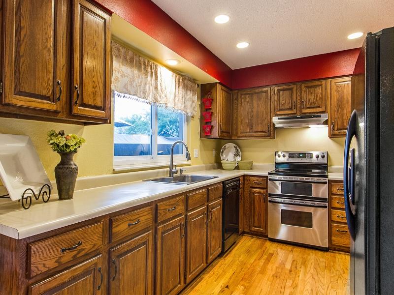 Kitchen_800x600_2295665.jpg