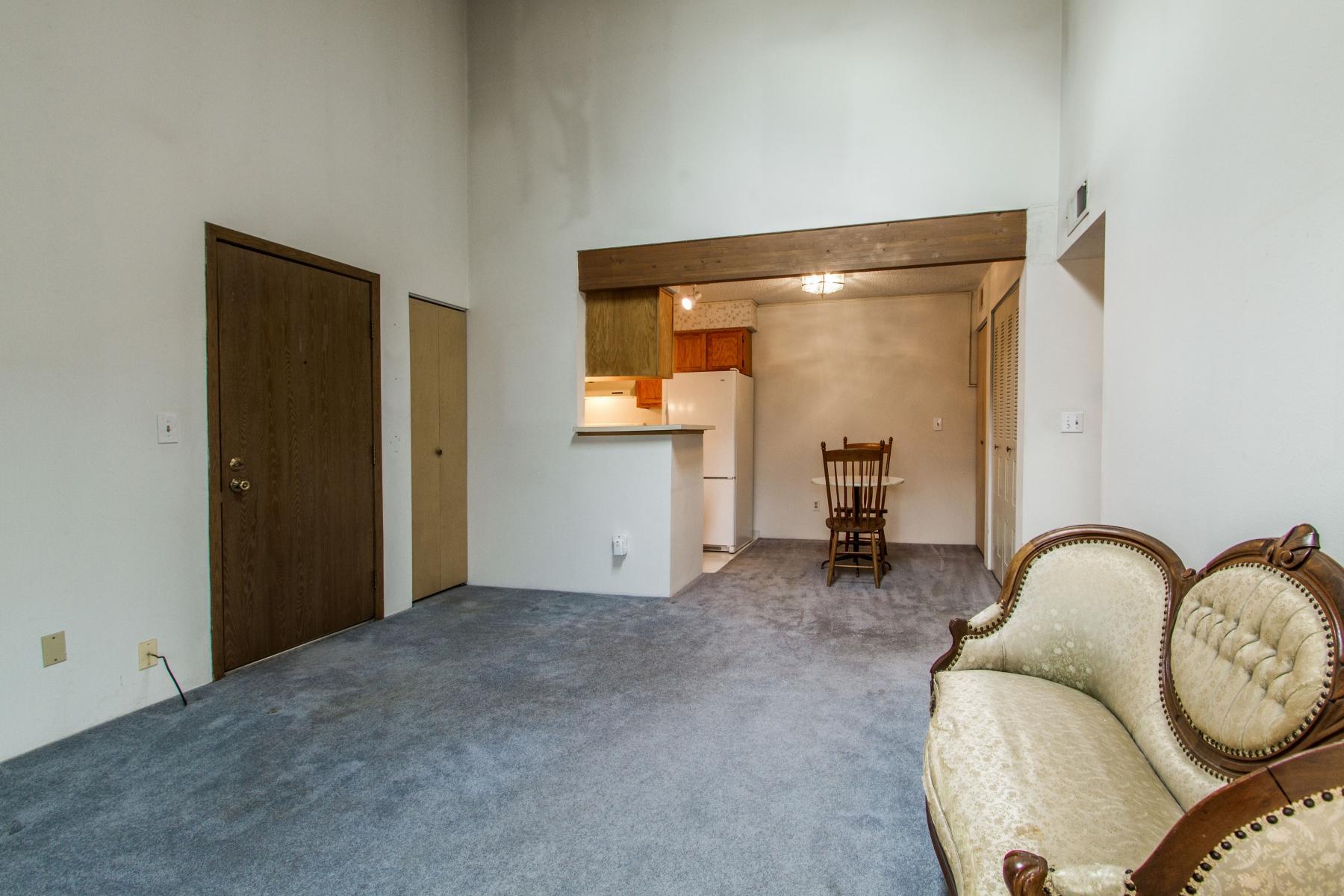 Living-Room_1800x1200_2694160.jpg