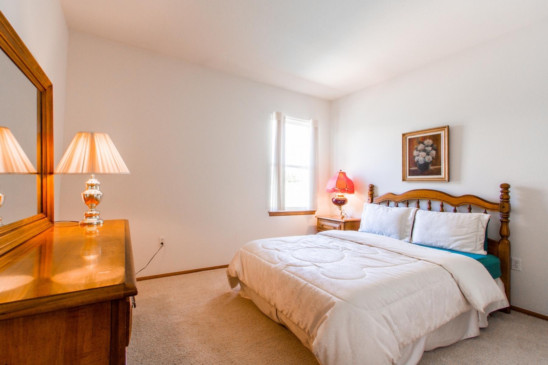 Bedroom-Two_1800x1200_2794100.jpg