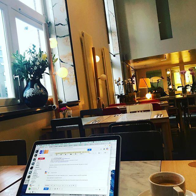 The joys of being able to work from anywhere. . . . #ladyboss #ladybosslifestyle #femaleceos #femaleceo #worklife #worklifebalance #worklifebalanced #joy #travel #amsterdam #lloydhotel