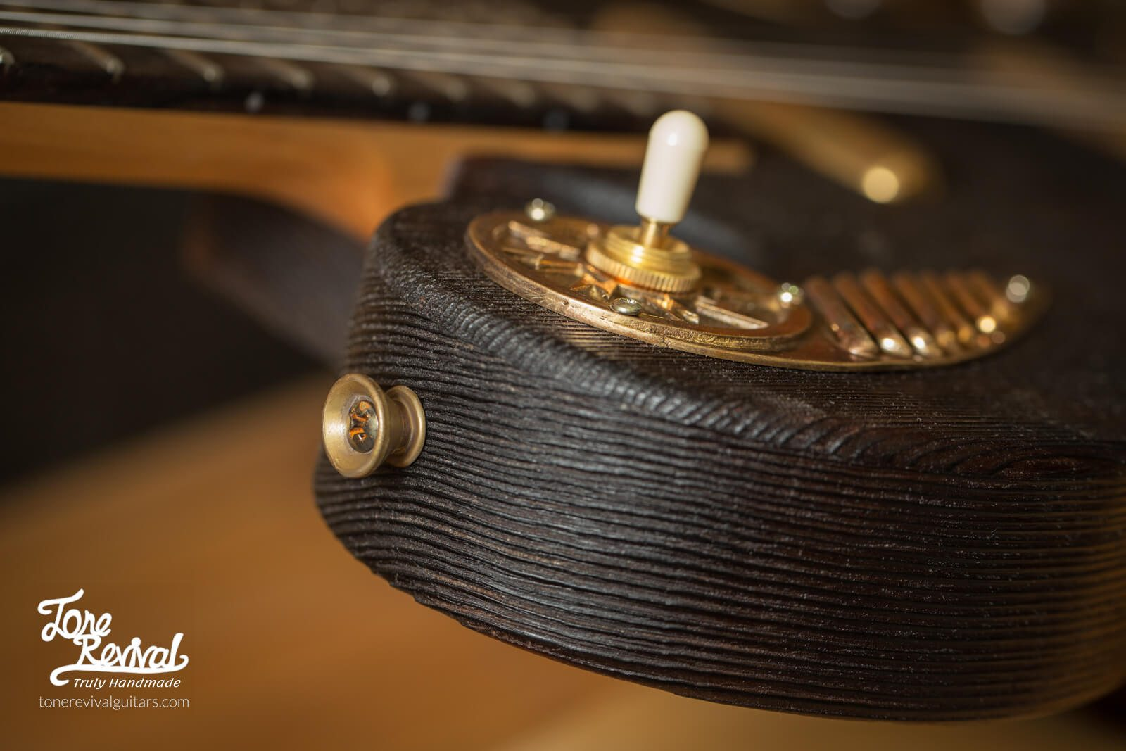 Guitar5-11.jpg